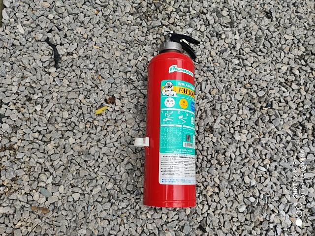 メディアを入れるタンクは消火器を改造して使用